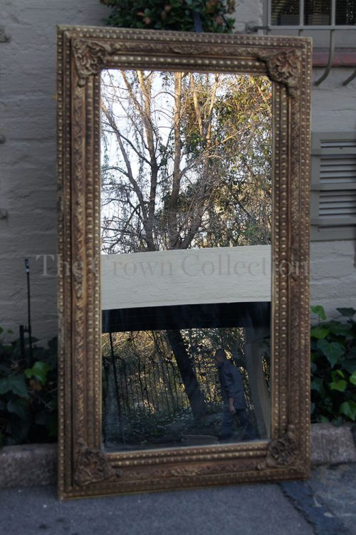 Gold Frames Mirror with Carving (medium)