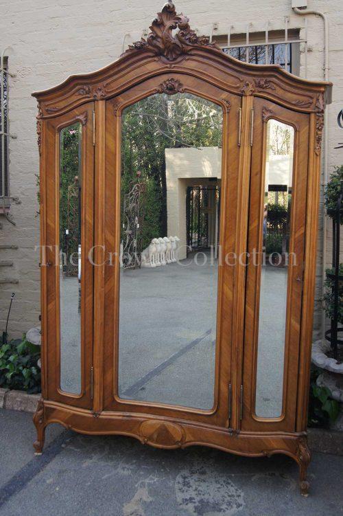 Late 19th Century Louis XV Style Quarter Veneered Walnut 3 Door Armoire