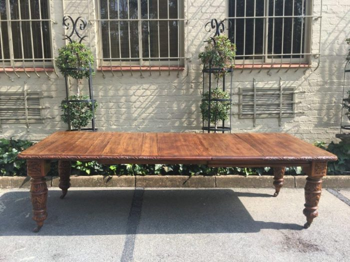 19th Century Victorian Oak Extension Dining Table