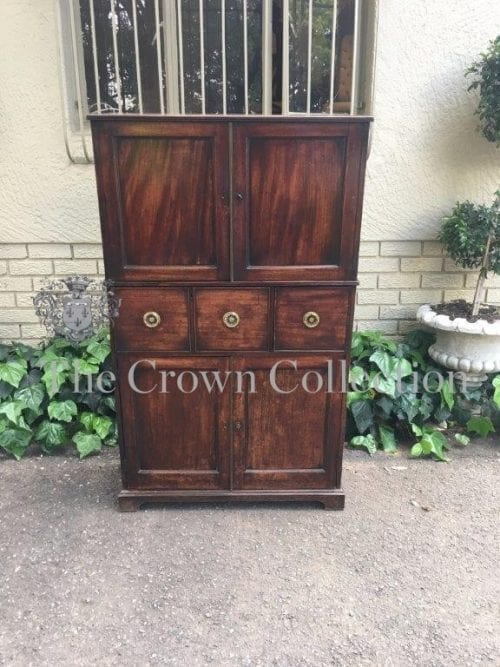 Georgian Mahogany Drinks Cabinet with 4 Doors & 2 Drawers
