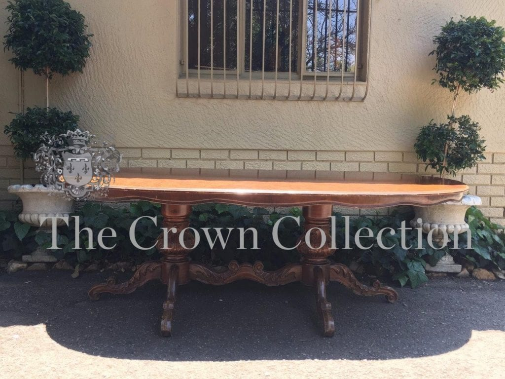 Early 20th Century Walnut Pedestal Dining Table