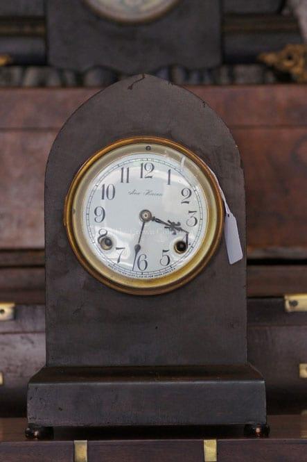 Antique New Haven Clock (Aurora)