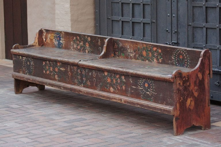 1899 painted oversized bench