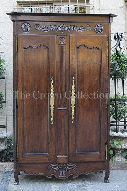French Armoire late 18th/ early 19th-century