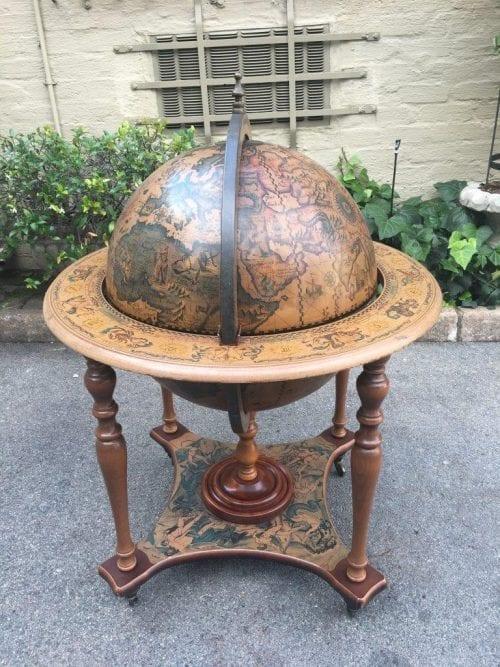 Globe Bar - ND