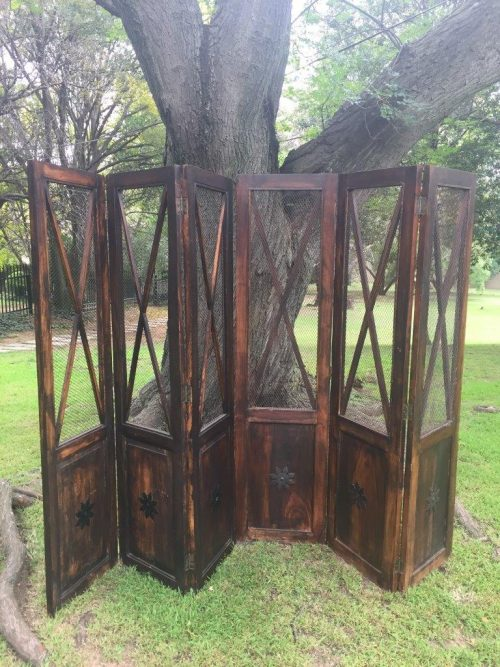 Wooden 3 Panel Screen with Mesh Detail