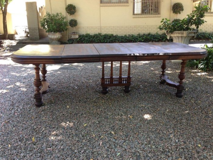 Henry II Walnut extension dining table