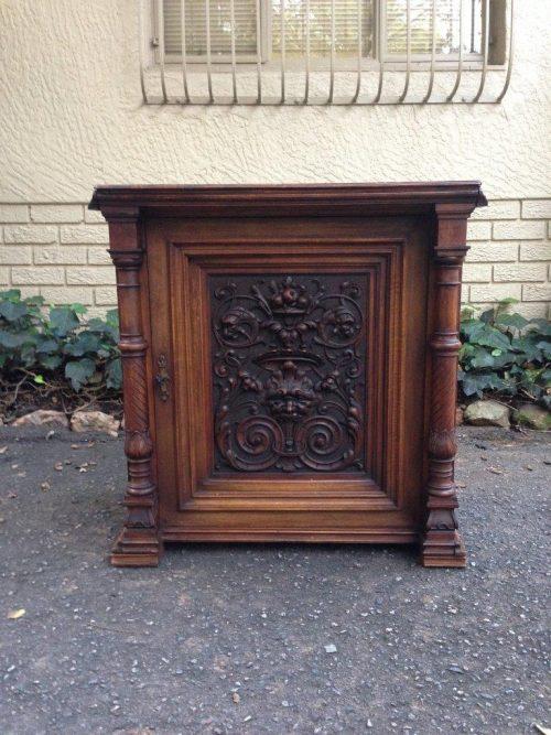 Victorian Mahogany 1-Door Cabinet