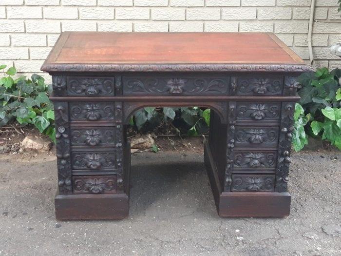 Ornately Carved Oak  Jacobean  Desk Ornately Carved Oak Acobean Desk 24500