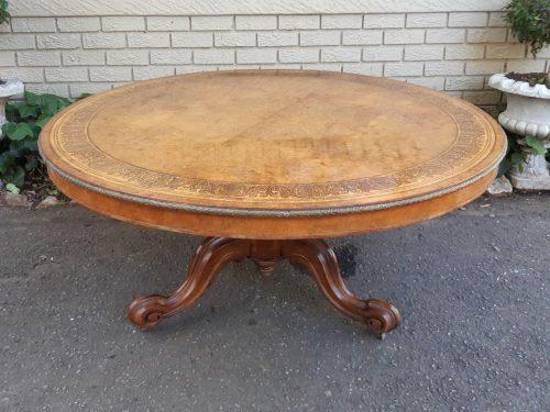 19th Century Continental Circular Walnut Dining Table With Ormolu Edge