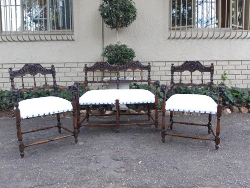 A 19th Century 3 Piece Set Of Oak Settee And Pair Of Armchairs