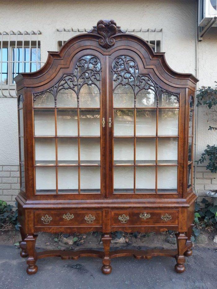 19th Century Dutch Oak Burr Walnut Display Cabinet (After the design of Daniel Marot 1661-1751