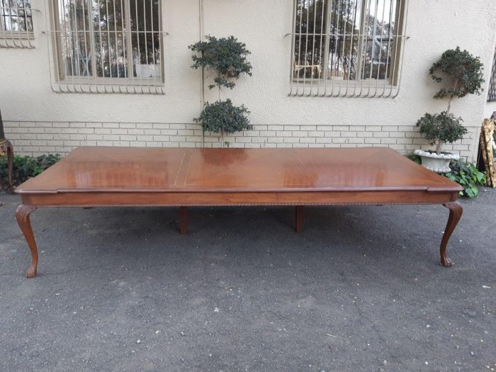 Inlaid Mahogany 16 Seater Table With 2 Central Supporting Legs