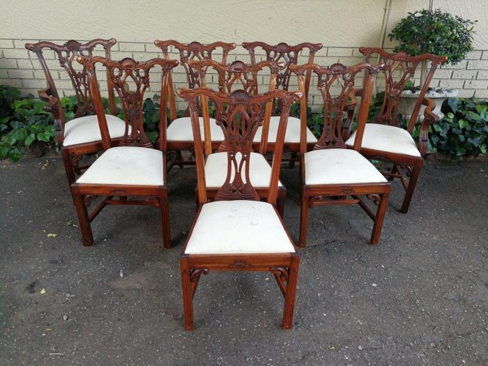 A Very Rare And Quality Italian Hand Carved  Chippendale (Mid 18th Century Style) Set Of Eight (8) Chairs/Dining Chairs Comprising Of Two (2) Carvers And Six (6) Chairs