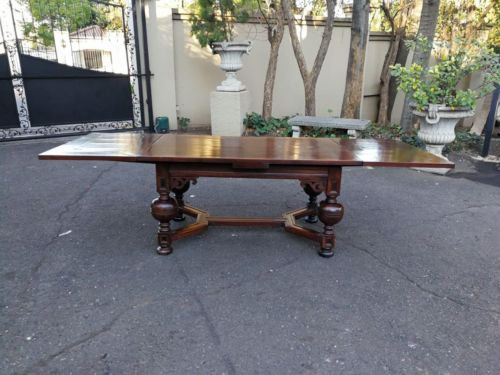 A Dutch Baroque Extending Dining Table/Entrance Table/Refectory Table (6-12 Seater: Folded Seats 6