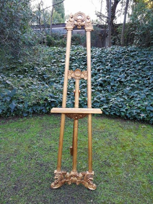 A Carved And Parcel-Gilt Wooden Easel