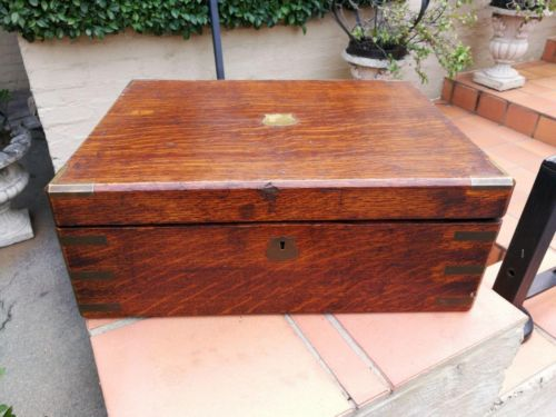 A Late Victorian Oakwood Canteen Box Maker: Army & Navy Cooperative Society