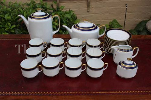 28 Piece Hutschenreuther Olivia Cobalt Blue & Gold 12 Place Tea Set