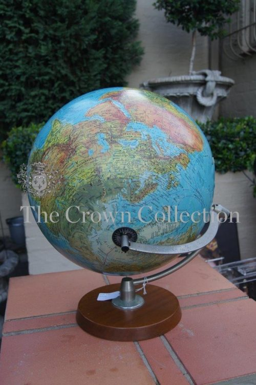 Vintage World Globe (cracked at back)