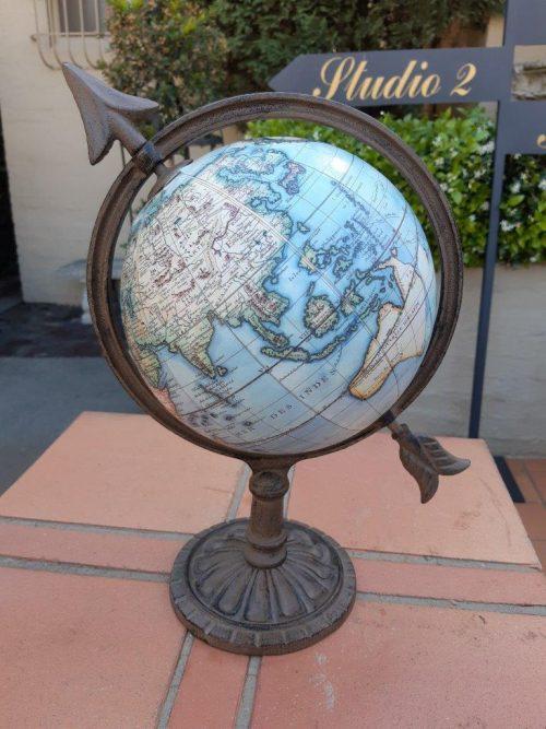 Vintage Robert De Vaugondy Globe Terrestre With A Cast Arrow Base - Nd