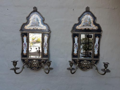Pair of William Lowe chinoiserie brass and porcelain wall sconces with candleholders and bevelled mirror