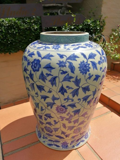 Chinese blue and white baluster shaped lamp base