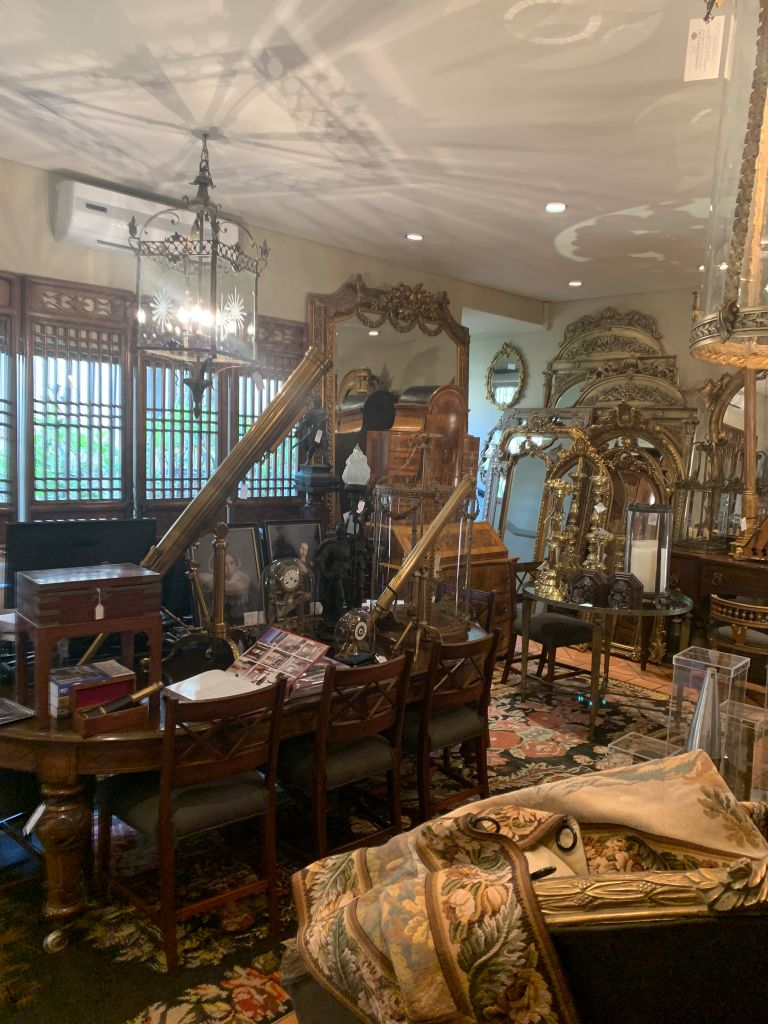 antiques-furniture-gallery